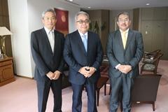 アミタHD専務取締役がマレーシア大使館を表敬訪問! <br>100%リサイクルサービスのマレーシア展開に高い評価をいただきました